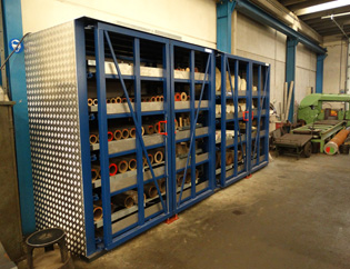 Horizontal storage rack
